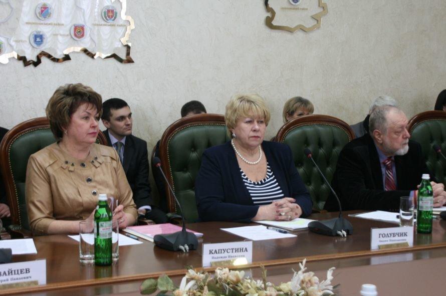 Днепропетровские чиновники и ученые поговорили о кочевниках (ФОТО), фото-3