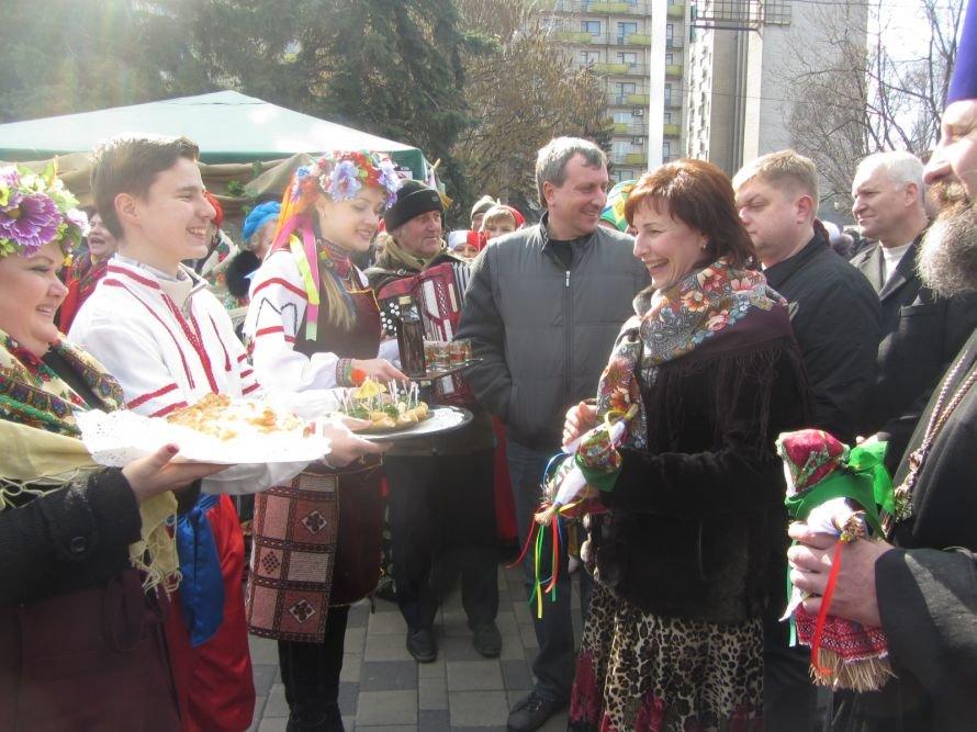 В Днепропетровске проходят масленичные гуляния (ФОТОРЕПОРТАЖ), фото-1