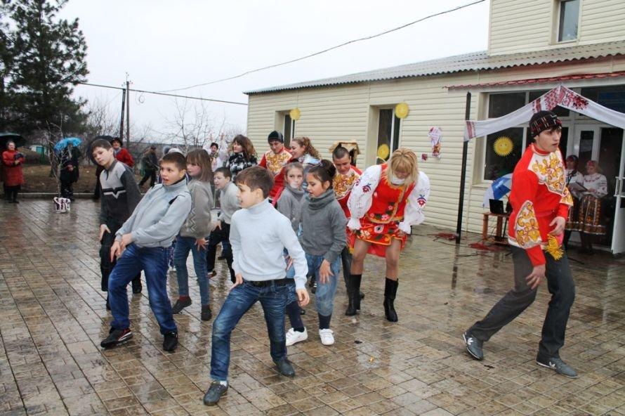 В одном из сел Артемовского района устроили флешмоб Gangnam Style (ФОТОРЕПОРТАЖ), фото-2
