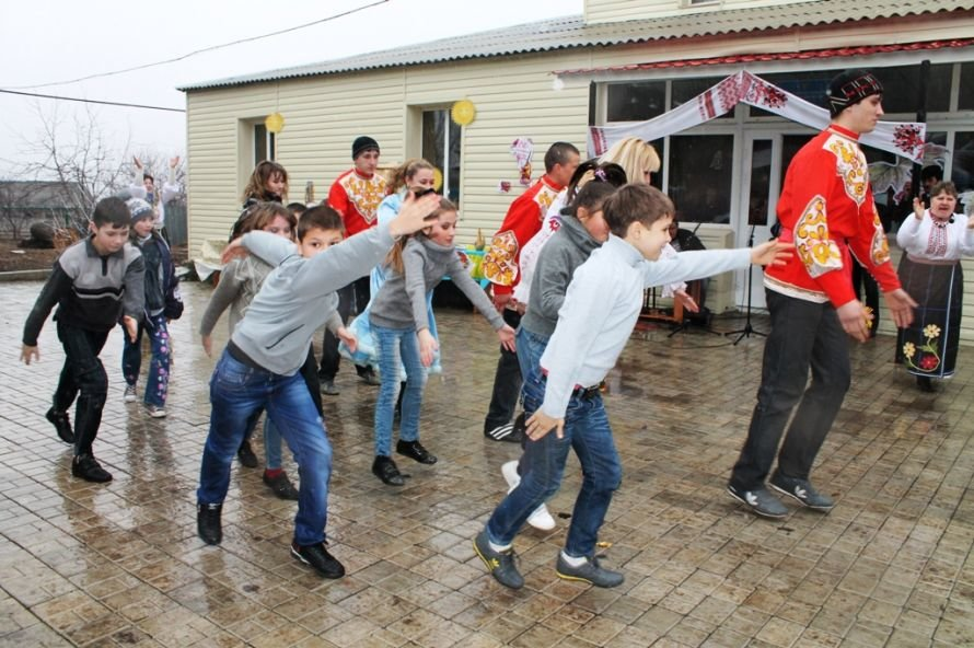 В одном из сел Артемовского района устроили флешмоб Gangnam Style (ФОТОРЕПОРТАЖ), фото-1