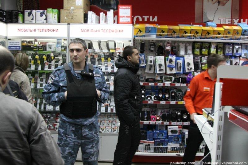 Рейды по супермаркетам: мрак горловского «Фокстрота», фото-4
