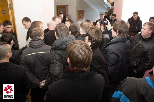 Луцьким комуністам «не сподобався» фестиваль «Криваві совєти» (ФОТО/ВІДЕО), фото-1