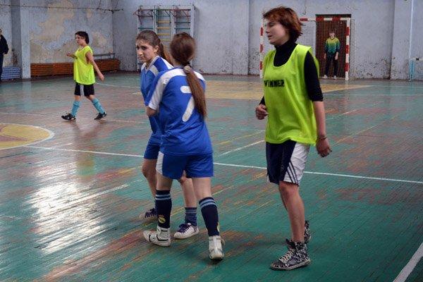 Юные горловчанки показали макси-класс в мини-футболе, фото-2