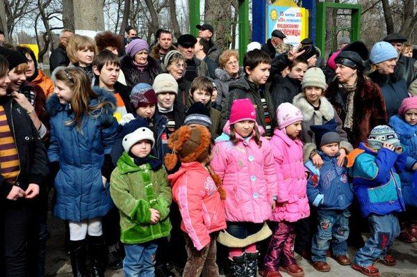 Стироловцы с песнями и плясками провели в Горловке зиму, фото-3