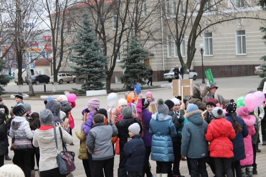 «Читайте, дети, книги»: в Артемовске флешмобом открыли неделю детской книги (ВИДЕО), фото-2