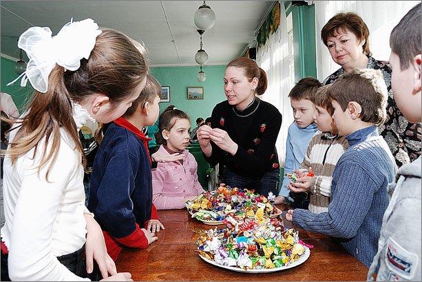 В Феодосии исполнительный комитет подготовил на Масленицу сладкие подарки для детей, фото-1