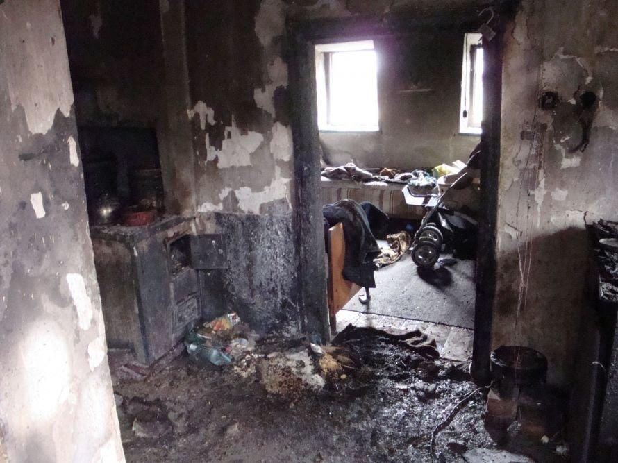 В Донецкой области пожар унес жизни двух детей, еще один ребенок с матерью - в больнице (фото), фото-1