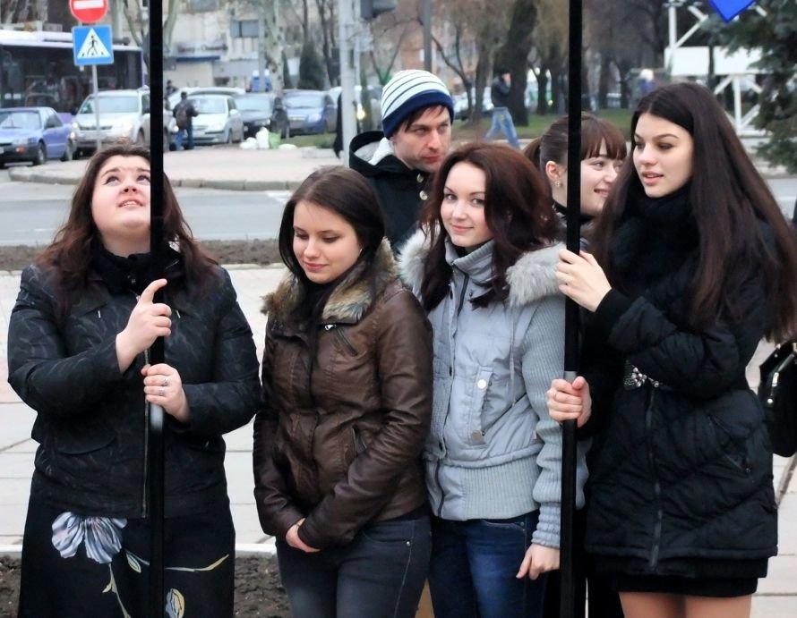 Молодые регионалы почтили память основателя Донецко-Криворожской республики и заявили, что Артем сделал больше, чем Шевченко (фото, видео), фото-3