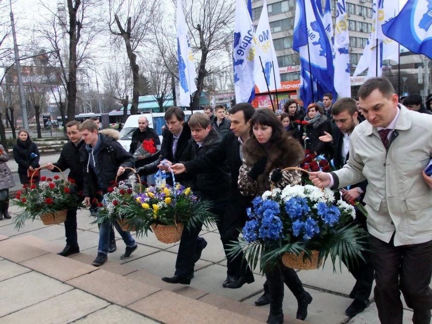 Итоги вторника:  Молодые регионалы вычислили, что Артем сделал больше, чем Шевченко, страшное ДТП  унесло жизни двух человек, фото-1