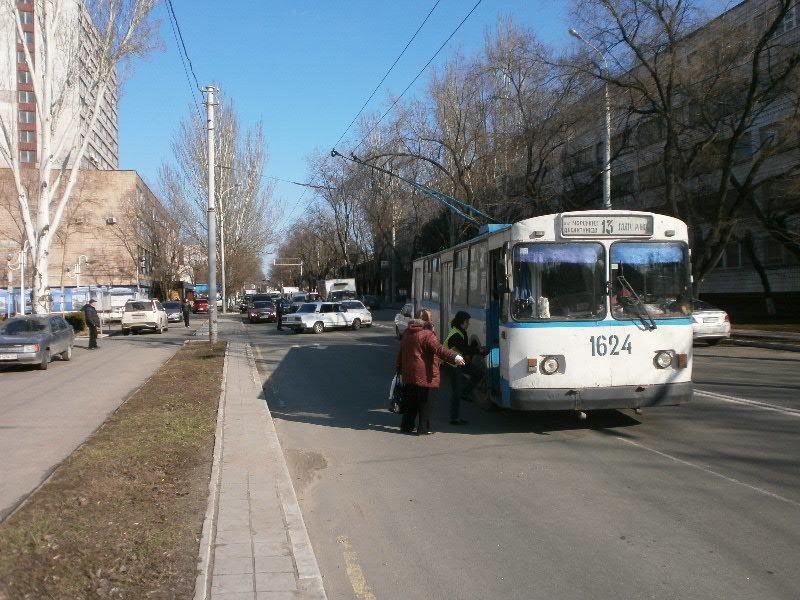 Белый в белого: в Мариуполе столкнулись две леговушки (ФОТО), фото-4
