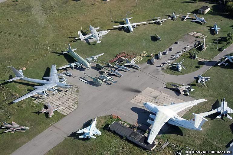 Куда податься туристу в Луганске: эстакада, руины и самолеты, фото-4