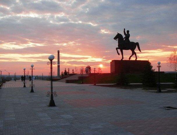Куда податься туристу в Луганске: эстакада, руины и самолеты, фото-1
