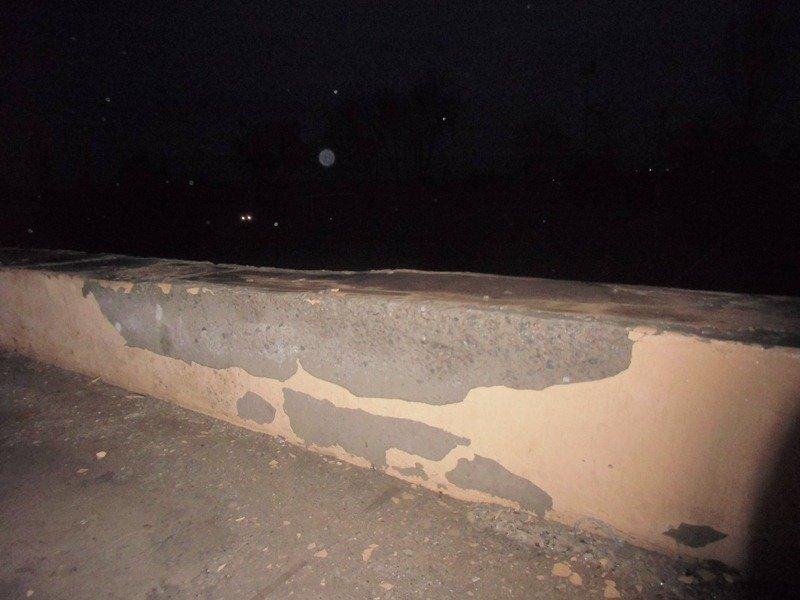 «Школа Януковича» разваливается по кирпичику фото 3
