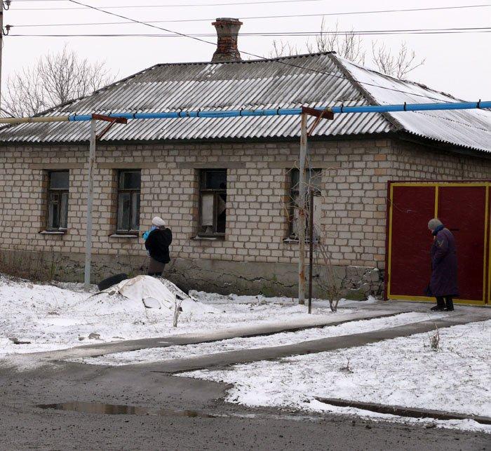 В Луганск пришла «весна». Она привела с собой вьюгу, снегопад и гололед(ФОТО), фото-1