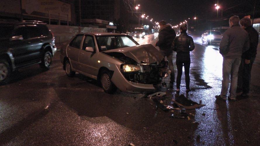В Днепропетровске столкнулись две иномарки (ФОТО), фото-1