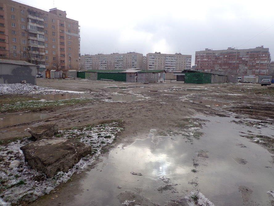 Запорожский сквер: разломанные лавочки и грязь по колено (ФОТО), фото-8