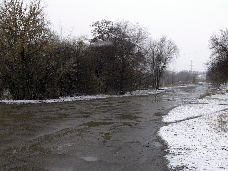 В Луганске дорога на улице Грабовского после многочисленной обработки экскаватором выглядет просто ужасно (ФОТО), фото-1