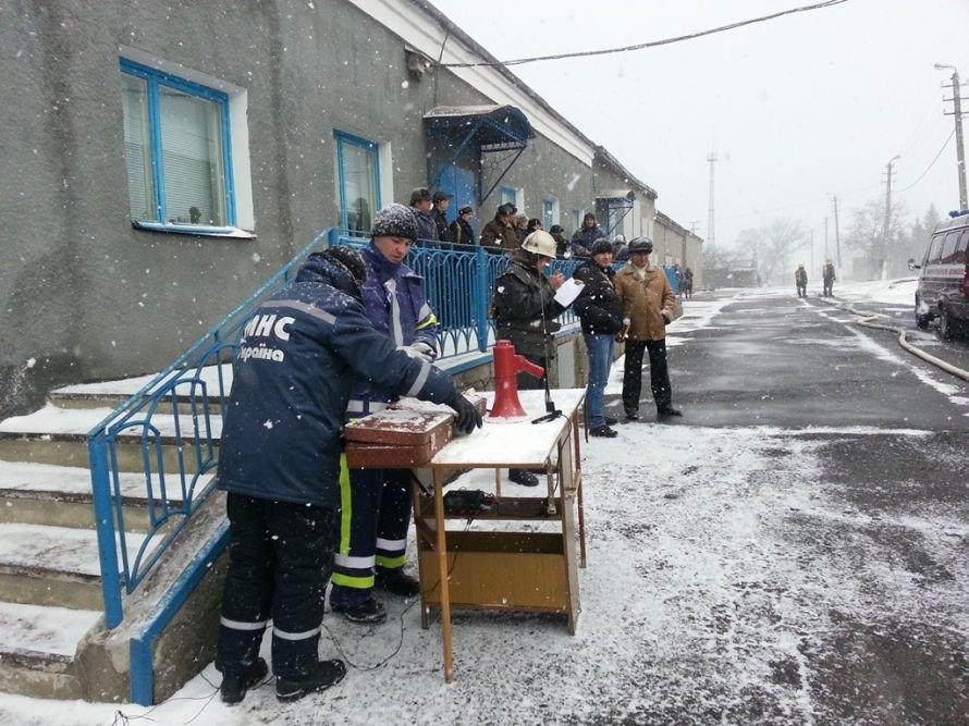 Енакиевские спасатели «устранили»  утечку хлора фото 10