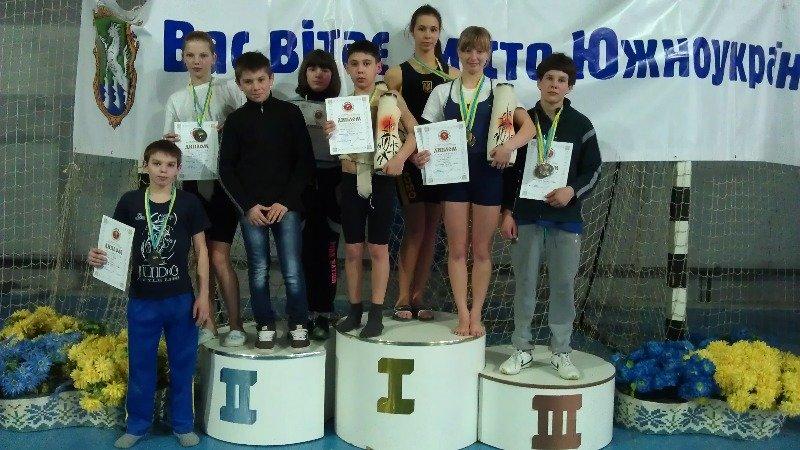 Ялтинские сумоисты привезли коллекцию наград с Чемпионата Украины по сумо, фото-1