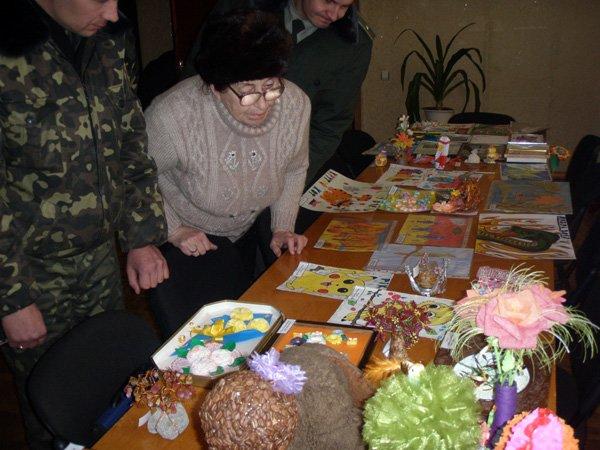 Дети работников горловской ИК № 27 порадовали своими творческими работами, фото-5