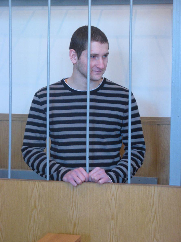 Сумских «граффитчиков» оставили под стражей: Игоря Ганненко на 1 год и 8 месяцев, а Владимира Никоненко на 1 год, фото-1