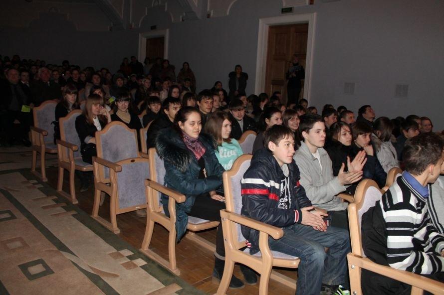 Артемовские вузы вербовали старшеклассников, фото-4