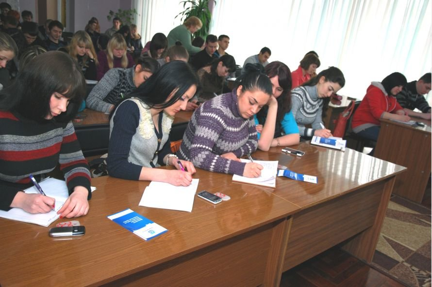 В Мариуполе обучили волонтеров юридической клиники, фото-1