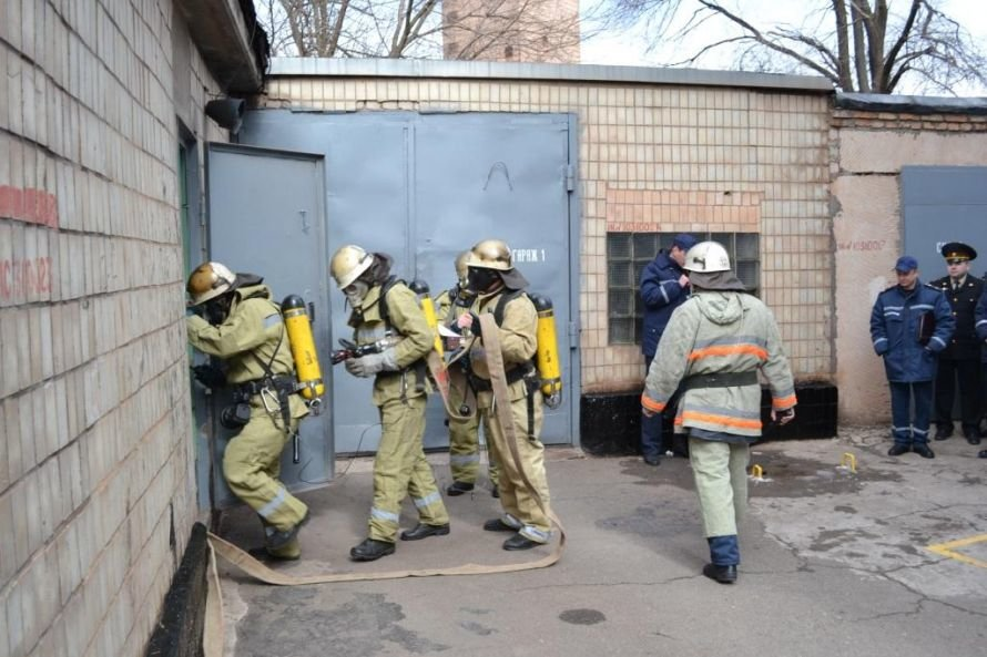 Криворожские МЧСники тушили в сауне воображаемый пожар (ФОТО), фото-5