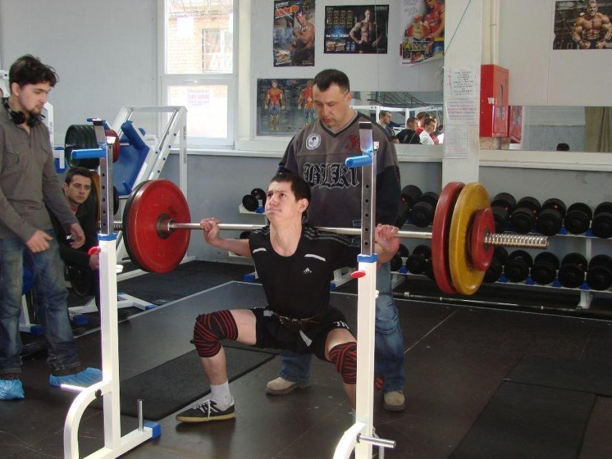 Самый сильный артемовец поднял в троеборье 660 килограмм, фото-2