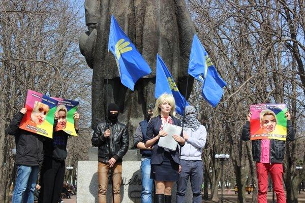 Регионалы защитили луганчан от Фарион - ее отправили в психушку (ФОТО), фото-1