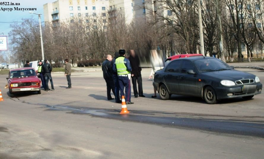 Утром в Кировограде произошло ДТП (ФОТО) (фото) - фото 2