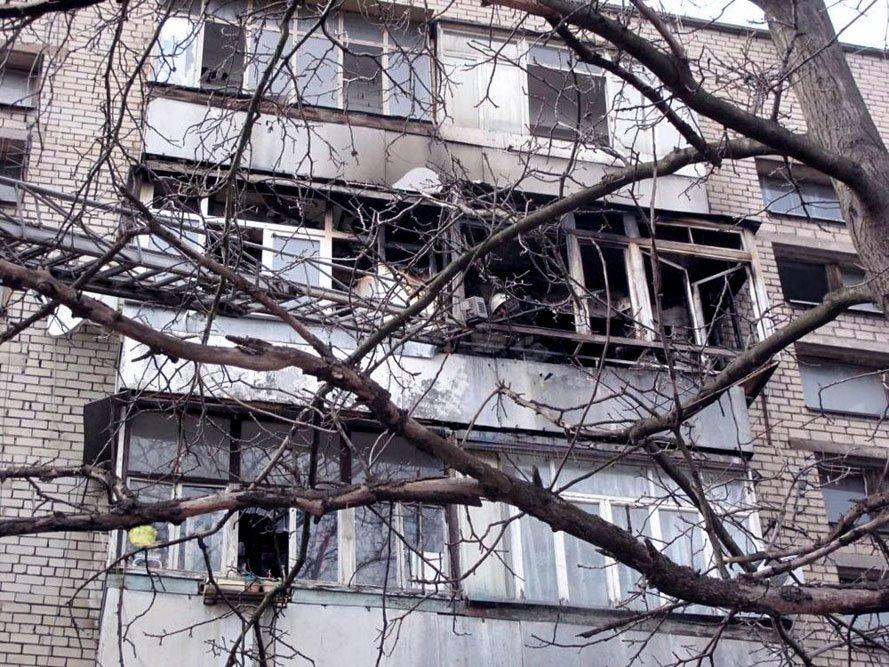 В Запорожье в пятиэтажке загорелся балкон (ФОТО), фото-1