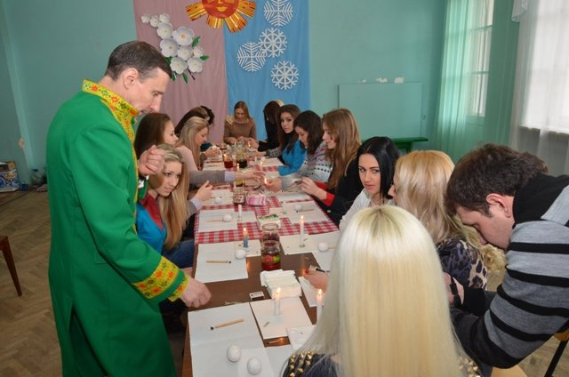 Артемовск – центр писанкарства Донбасса: в ГНД проводят областной конкурс «Країна писанкова», фото-1