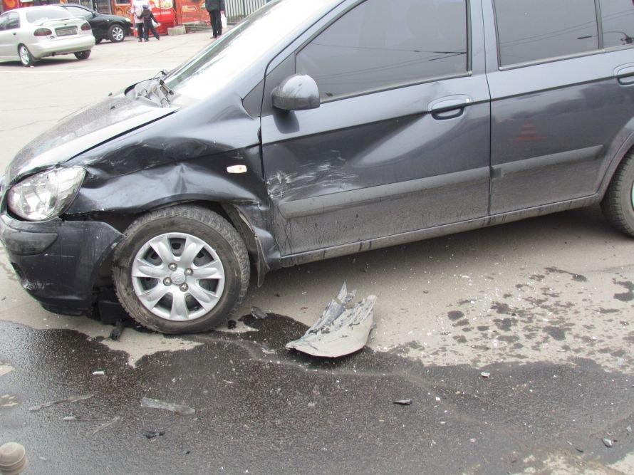 В Мариуполе девушка на Hyundai попала в ДТП (ФОТОФАКТ), фото-3