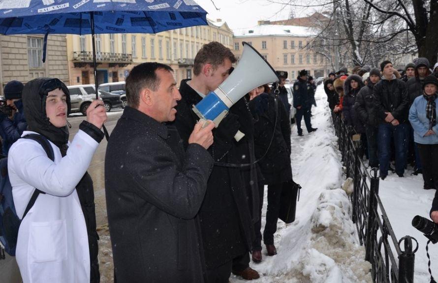 Петро Колодій виступив перед пікетувальниками