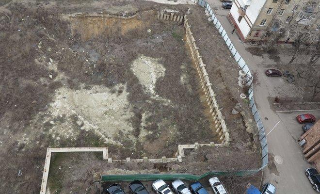В Луганске из-за котлована бывшего оппозиционера может разрушиться 16-этажный дом (ФОТО), фото-5