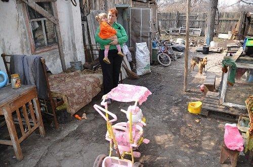 В Славяносербске милиция с собаками за два часа нашла потерявшуюся девочку Алину (ФОТО), фото-1
