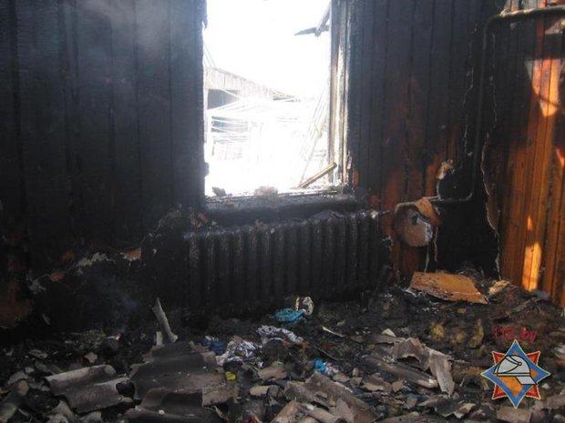 Двое детей, оставленных без присмотра, погибли при пожаре в Хойникском районе (ФОТО), фото-1