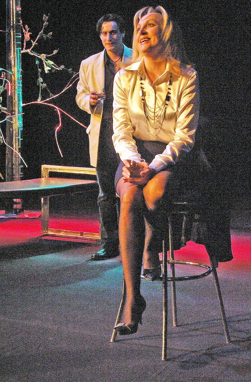 «Ненормальная» премьера на сцене Луганского русского драмтеатра смотрится на одном дыхании (ФОТО), фото-7