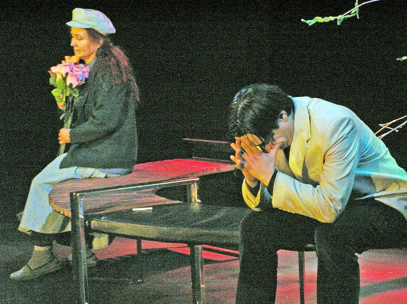 «Ненормальная» премьера на сцене Луганского русского драмтеатра смотрится на одном дыхании (ФОТО), фото-10