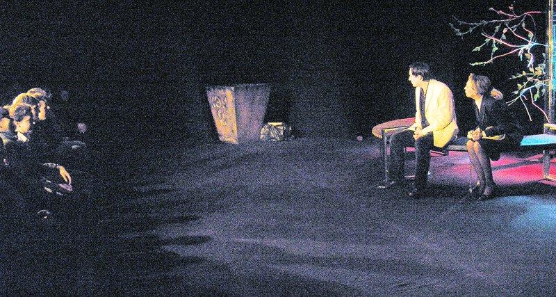 «Ненормальная» премьера на сцене Луганского русского драмтеатра смотрится на одном дыхании (ФОТО), фото-2