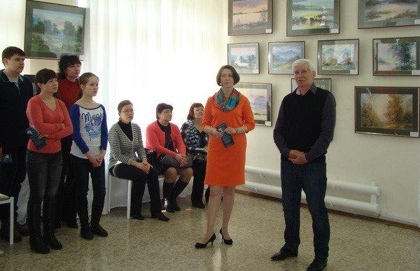 В Чебоксарском КВЦ «Радуга» открылась выставка акварелей Виктора Углача (ФОТО), фото-1