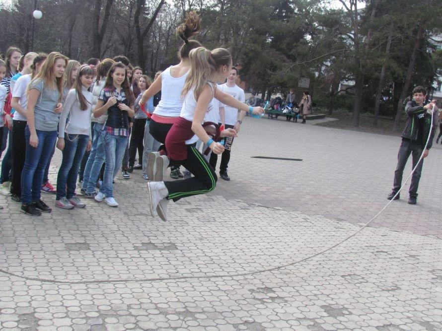В Мариуполе Всемирный День здоровья отметили зарядкой (ФОТО), фото-5