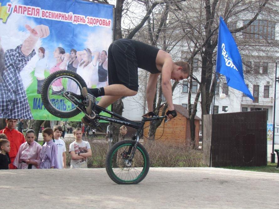 В Мариуполе Всемирный День здоровья отметили зарядкой (ФОТО), фото-7