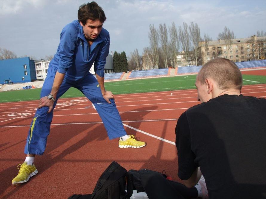 В Донецке легкоатлеты начали тренировки на реконструированном  стадионе «Кировец» (фото), фото-3
