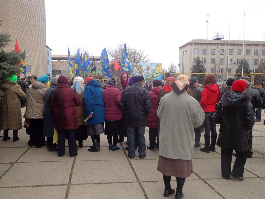 ФОТОРЕПОРТАЖ: 5000 гуляйпольцев митинговали против уранового карьера и «псевдочиновников» (фото) - фото 3