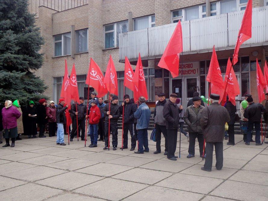 ФОТОРЕПОРТАЖ: 5000 гуляйпольцев митинговали против уранового карьера и «псевдочиновников» (фото) - фото 2