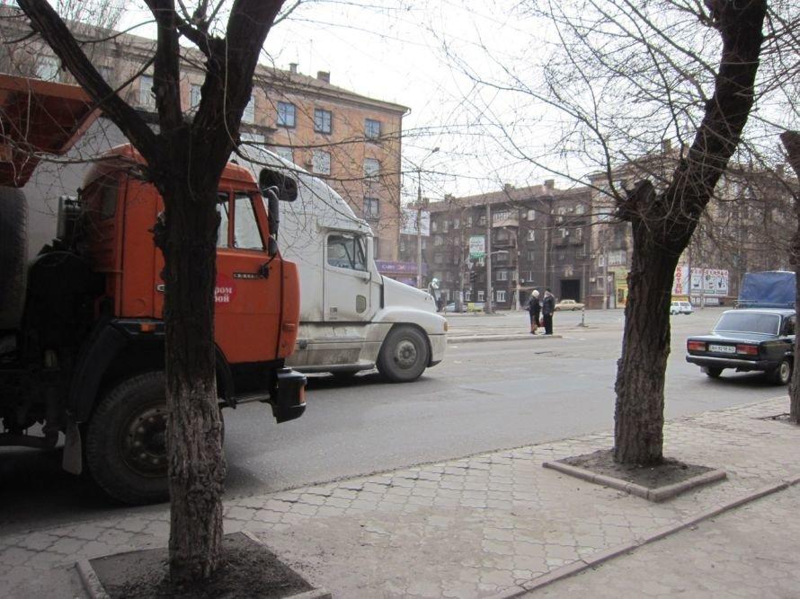 Общественники требуют от метинвеста перевозить продукцию железнодорожным транспортом, фото-1