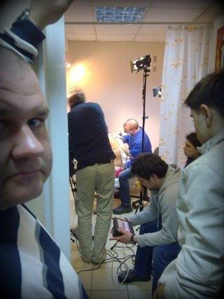 В Мариуполе телеканал ТЕТ снимал сюжет о школьнице с татуировкой, фото-2