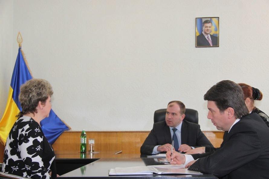 Днепропетровский губернатор хочет решить проблемы селян до 9 мая (ФОТО), фото-1